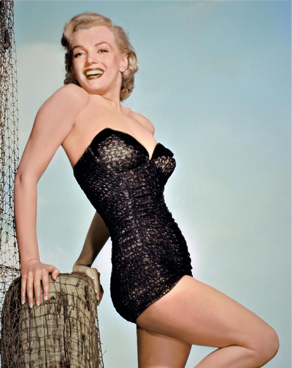 the exhibition Focused on Marylin Monroe with, for the very first time in Europe, the lace and velvet swimsuit she wore for a photo shoot of the brand Catalina in 1951.