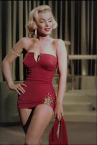 MARILYN MONROE, PIN-UP AND STAR, ICONIC AMBASSADRESS OF SWIMSUIT BRANDS Marilyn Monroe is the glamorous icon par excellence. The word photogenic was invented for her.