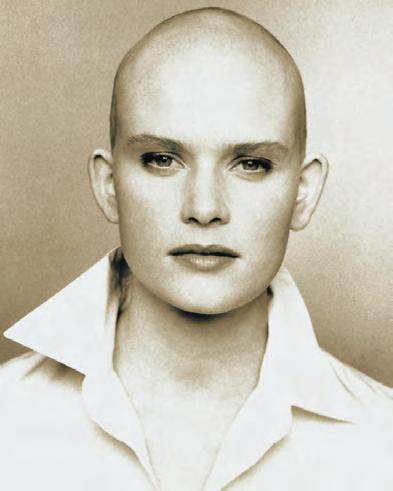 THE JANINE HARPER STORY I was diagnosed with alopecia at the age of 11 and lost all my hair. I felt unattractive, inferior, inhibited and very depressed.