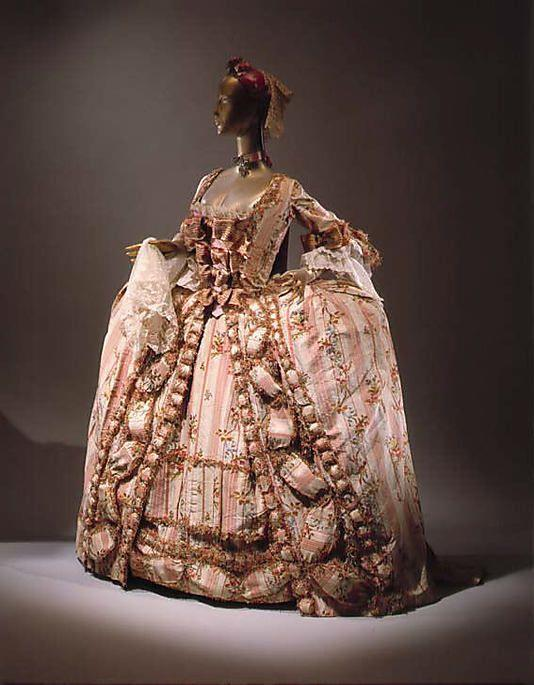 Exhibit 6 Vintage Gowns, Museum Of Art, French Silk, Fashion History, 1770S Fashion, Metropolitan Museum, 18Th Century Dress (robe à la française) France, 1775-1800 Material: silk This gown shows the