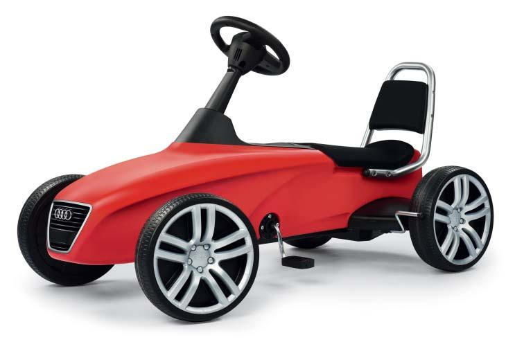 082 Kids 1 Audi kids car Car for children with chain drive, including neutral and reverse functions.