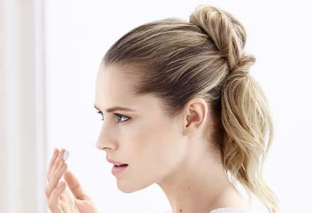 The Special Care Collection is suitable for sensitive skin. Actress Teresa Palmer for ARTISTRY D.