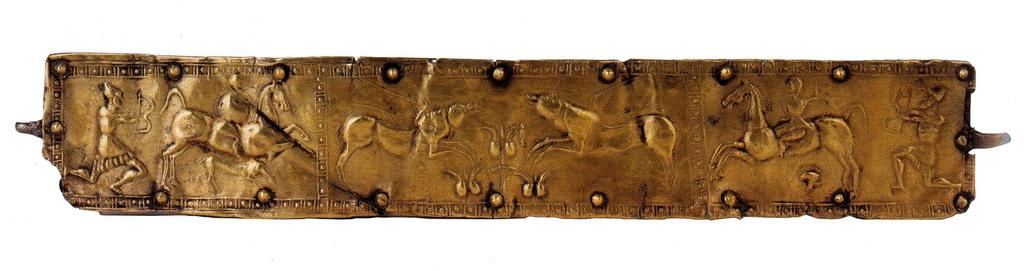 Beyond the Çan Sarcophagus, this type of saddle blanket is known from the Graeco-Persian stele from Çavuşköy 33, which is a close parallel, as well as fifth century BC depictions of riders on other