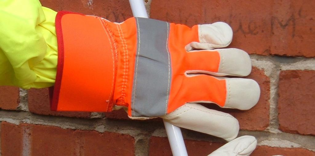Jersey lined palm Ideal for outdoor work One size only 2.
