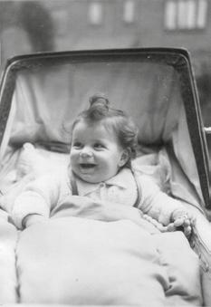 5: I seem not to have made such a good impression when I arrived, at least not on my mother. She started keeping a baby diary on 5 July 1943, just over three months after I was born.