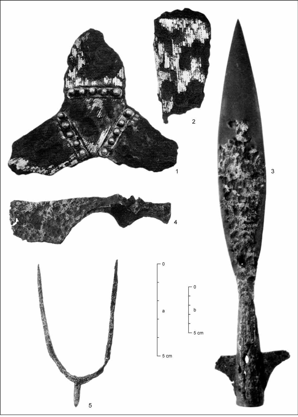 102 Zbigniew Robak Fig. 3. Other parts of the Blatnica deposit. 1 trefoil fitting; 2 strap end (?