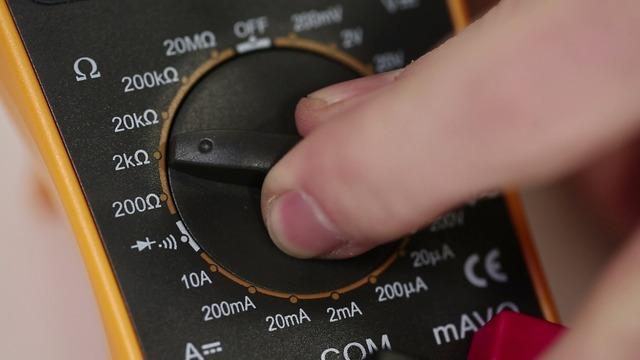 If the multimeter simply displays the numeral 1 and a decimal point, that tells us the that the