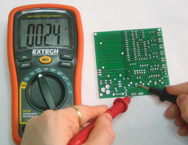 the line multimeters can cost more than US$5,000.
