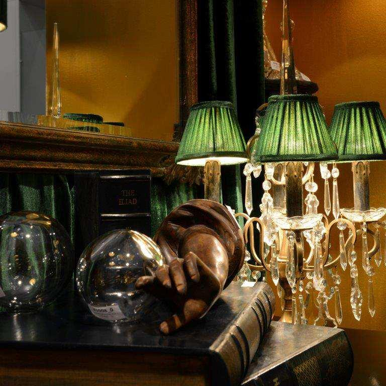 O3195-5 Mirroir 10 Gold Antique (w86;h105) CD303 Lamp Cristal Elodie Light Bronze with candleshades clip-on Z8105-30 Emerald Green Velvet K5508 Cristal Sphere Medium (d12)