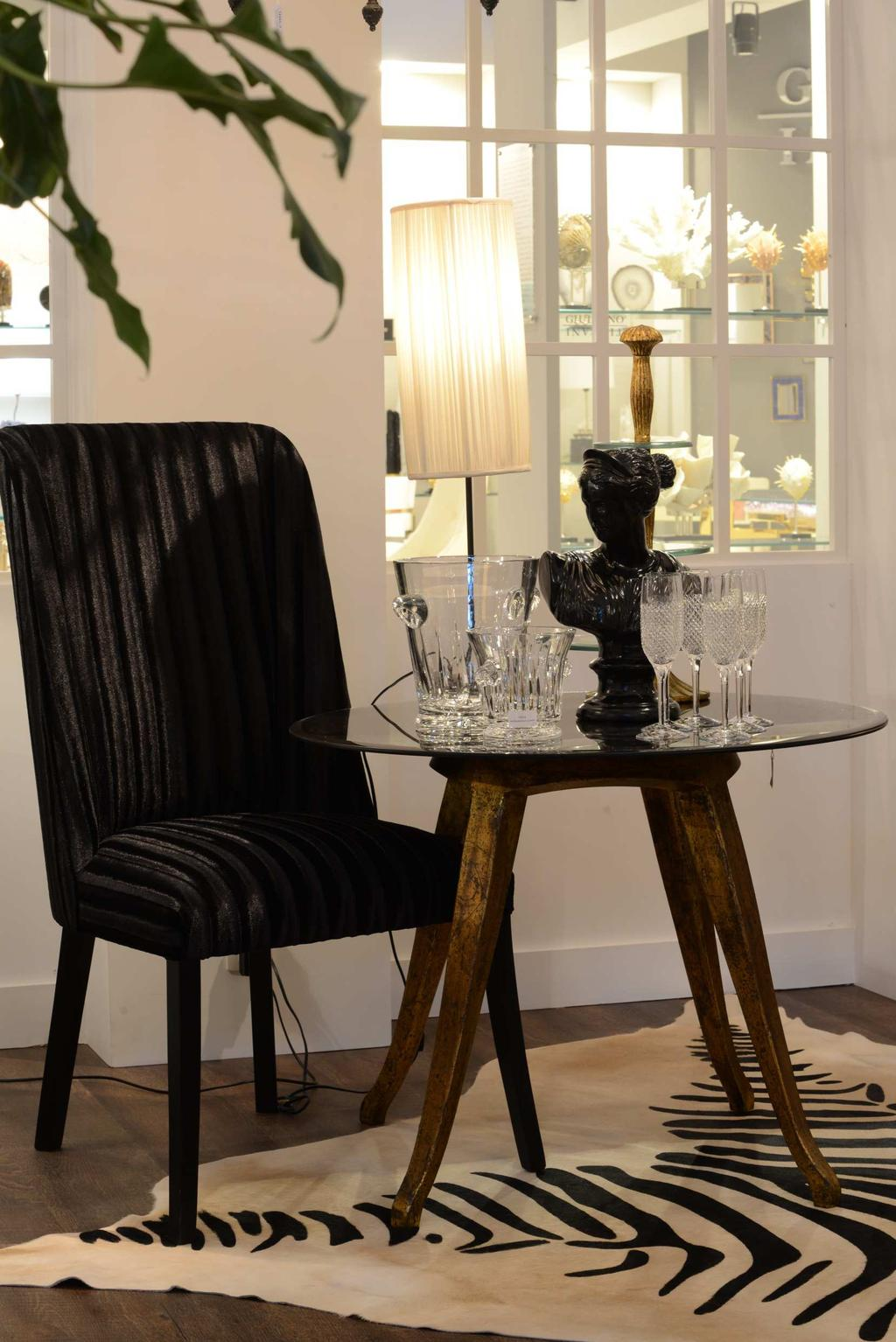 F6100 Corsa Chair with Black Velvet FR312-5 Vintage Table Aged Mirror Gold (d85;h67) K5617-0 Champagne Bucket Cristal K5616-0 Ice Bucket Cristal K5603-0 Champagne Glass