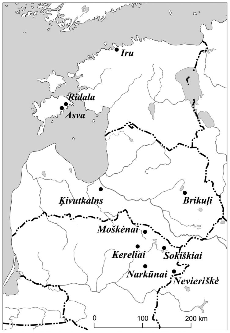 Late Bronze Age bone crafting in the eastern Baltic 25 authority, as well as of trade and crafts, and played an important role in the organization of bronze circulation (Lang 2007b, 77 ff.).