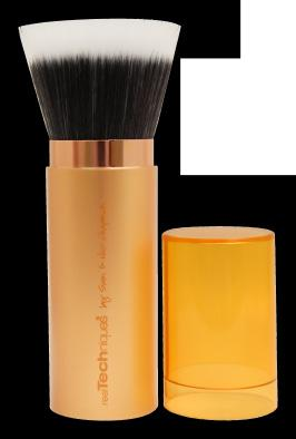 natural finish by expertly blending bronzer or finishing