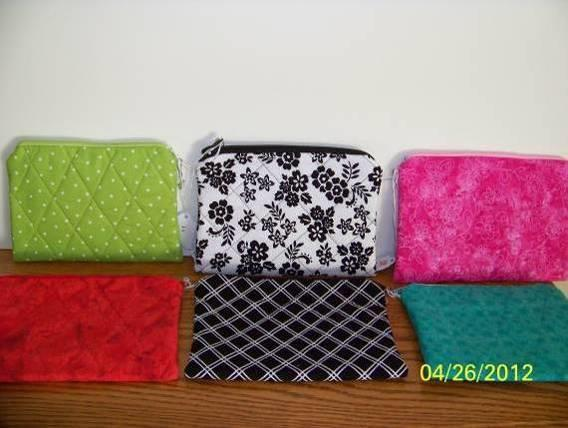 Make-up bags (standard) Price $4 Quilted make-up bag with a zippered top closure with lots of room