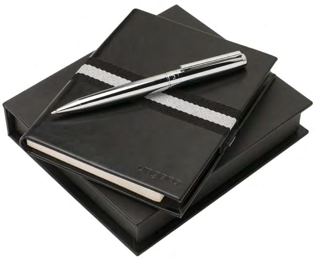 set Black leather wallet with nylon lining Holds 8 cards Chrome ball