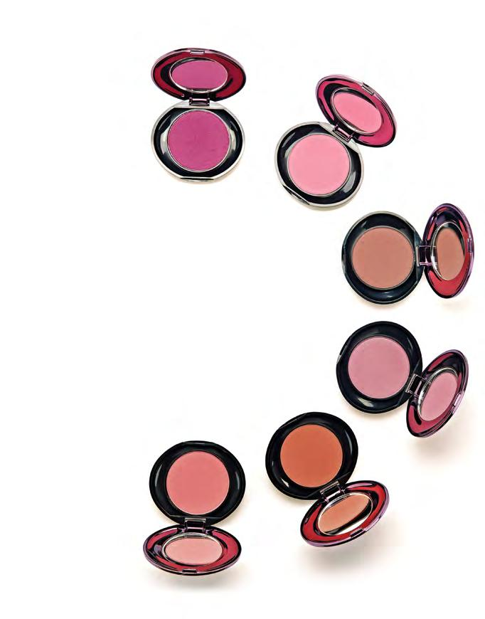 7 8 Brilliant Blush / 3.2g / 0.11oz Perfect Pair Eyeshadow / 3g / 0.1oz Six uniquely-paired colour combinations, developed to take the guesswork out of creating beautiful eyes.