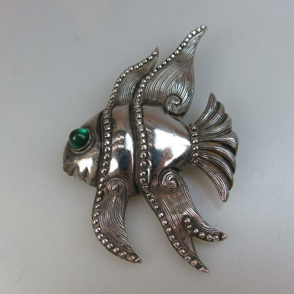 2 grams 34 Los Castillo Mexican Sterling Silver Brooch formed as a fish