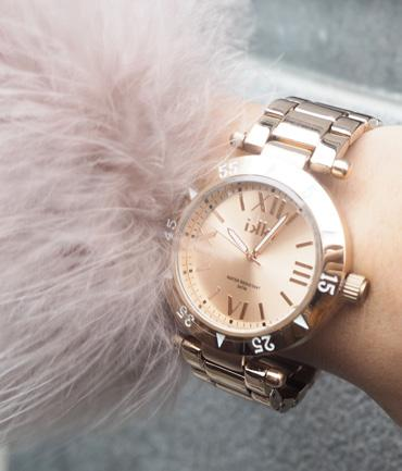 49 USD 61 60 CO88 Ladies Watch Gold Mesh + FREE Bracelet 79