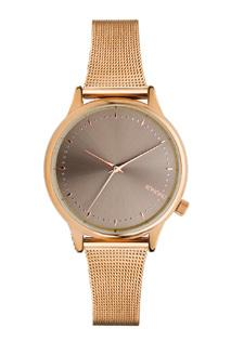 An elegant combination of a rose gold mesh wristband with a grey dial on a