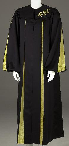 GH 121 HNPS GH 121 HNPS Our classic robe enhanced with a contrasting yoke, standing collar, sleeve stripes and