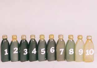 The color remaining in the bowl or applicator bottle is oxidizing at a slower rate than the product applied to the head.