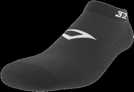 FULL-LENGTH SOCKS 4200-01 OFFICIATING ACCESSORIES 3N2 FULL-LENGTH SOCKS are made of ultra-comfortable poly-cotton with elastane and feature a highly efficient moisture