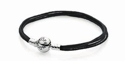 MOMENTS Multistring bracelets We recommend that the Multistring bracelets are worn with a maximum of 7-9 charms.
