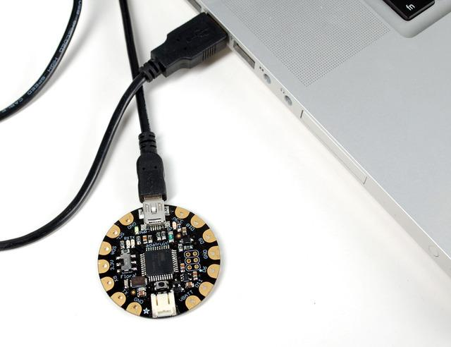 Blink onboard LED Next it's time to load up a program on your FLORA. There is an LED on board, so let's blink it!