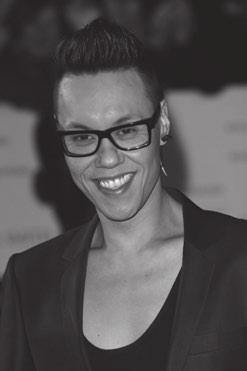 SIMPLIFIED CHARACTERS Gok Wan 4 Read this article about the television presenter and fashion stylist,