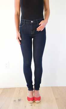 I love to pair skinny jeans with a blazer, T-shirt, and heels. Skinny jeans are also ideal to tuck into boots with a shaft that hits at mid-calf or higher since they aren t bulky.