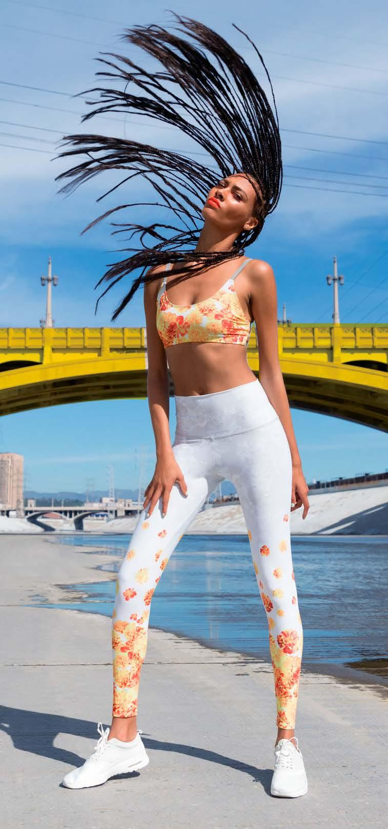 sportstyle TRENDS spinners, extra long for yogis (to wrap the heel) and midi (7/8) for runners. Through color, print and shaping, the legging should emotionally inspire the wearer.