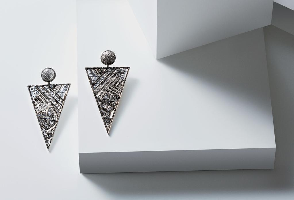 GEOMETRIC GLAM EARRINGS BLACK AND