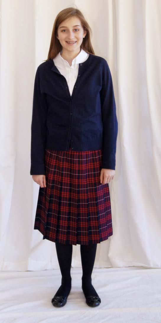 7-12 Young Ladies Everyday Uniform Lands End Plaid Pleated Skirt (at or below the bottom of the knee cap) Classic Navy Large Plaid Lands End Long Sleeve No Iron Pinpoint Blouse Lands End Fine Gauge