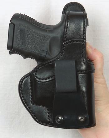 18 CONCEALMENT HOLSTERS H720 PADDLE HOLSTER WITH THUMB BREAK - AUTOMATICS & REVOLVERS This paddle holster is designed for easy removal.