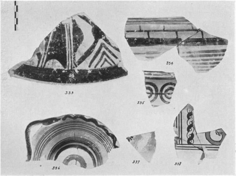 624 DOROTHY BURR 335. (P 2403) Fig. 90 Fragment from a krater decorated with horizontal lines and concentric circles, their centres joined by a line; glazed inside. Saine provenience. H. 0.057 m.; W.