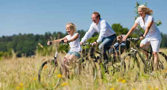 TRAVEL BY BIKE Kingsmere provides ample cycle opportunities with Bicester town centre located within a 5 minute ride, and 5-10 minutes to Bicester Village railway station and Bicester North railway