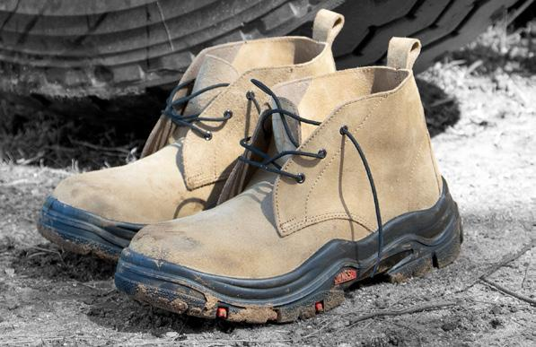 An African Original Re-engineered X370 BOOT Pull Tab Is Incorporated Into The Body Of The Boot To Ensure Strength And Durability Pure