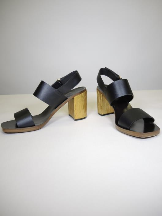 GUCCI Querelle Block Heel Sandals Size 9.5 Retailed for $750, sold in one day for $249.