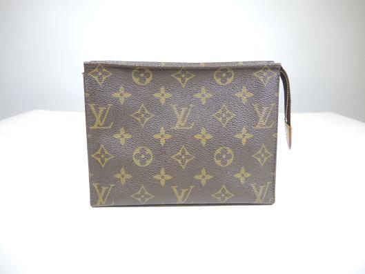 LOUIS VUITTON Toiletry Pouch 19 Retails for $370, sold in one day for $169.