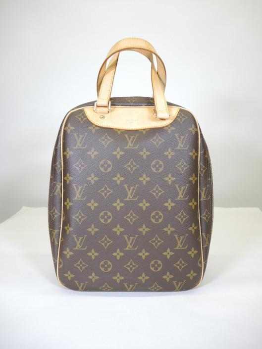 LOUIS VUITTON Excursion Travel Bag Retailed for $970, sold in one day for $499. 03/25/17 Originally designed in 1998, this bag was marketed as a shoe carrier for your travels.
