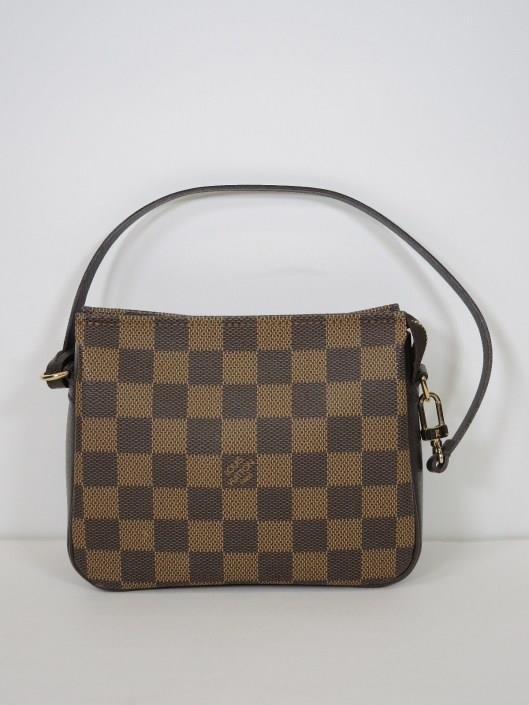 LOUIS VUITTON Brown Damier Trousse Square Pochette Sold in one day for $299.
