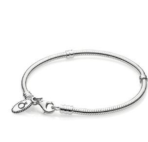 FIND YOUR PERFECT MOMENTS SILVER CHARM The most popular bracelet size is. A bracelet is perfectly sized when you measure your wrist tightly and add 2 cm.