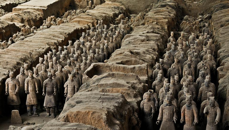 Xian Tombs of the Qin Dynasty * By History.com, adapted by Newsela staff In 221 B.C., Qin Shi Huang became emperor of China. Back then, China was made up of many different states.