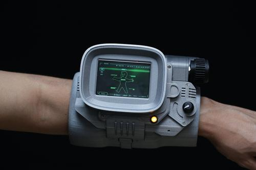 Raspberry Pi Pipboy 3000 Created by Ruiz