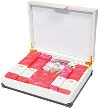 Perfect for any occasion, this gift has everything to pamper mind, body and soul.