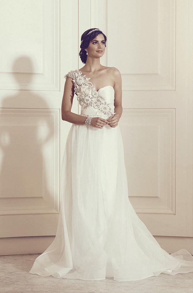 O R G A N Z A Fit for a true bridal princess, the silk organza skirt creates show stopping drama and a true