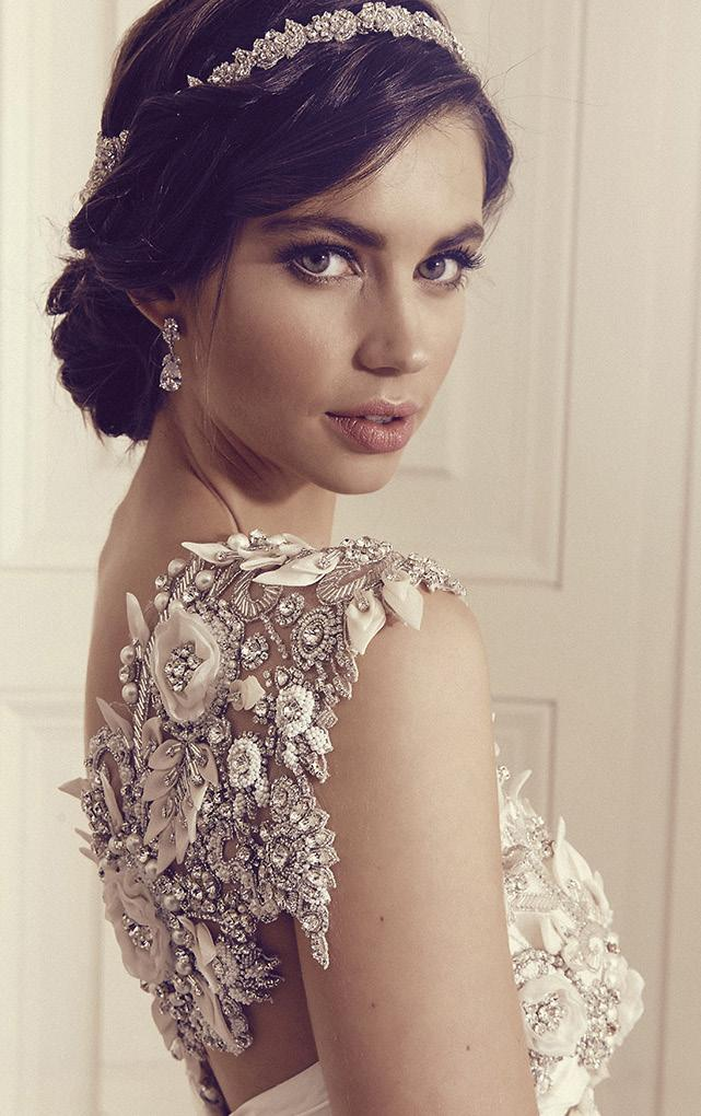 stylish bridal look, perfect for any wedding styling!