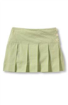 Skirt made with single pleats all