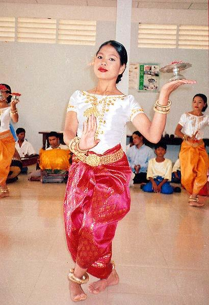 "Similar garments A traditional Khmer dancer wearing a sampot in Cambodia The basic garment known in English most often as a ""sarong"", sewn or unsewn, has analogs in many regions, where it shows"
