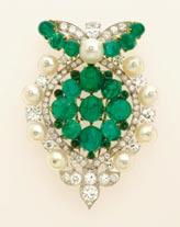 54/52481 1934 Cabochon emeralds, diamonds, pearls, gold, platinum H: 2 ⁷/₁₆