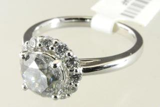 03ct solitaire ring. Lot # 421 421 Oval GS 1.61 carat L-VVS2 centre with 2 0.